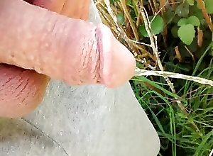 Gay Porn (Gay);Amateur (Gay);HD Gays;Outside Pissing outside