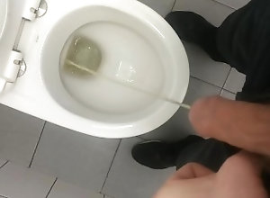 pissing;young;pissing;first;time;pissing;just;pissing;young;boy;pissing,Twink;Fetish;Solo Male;Big Dick;Gay;Handjob Just a pissing...