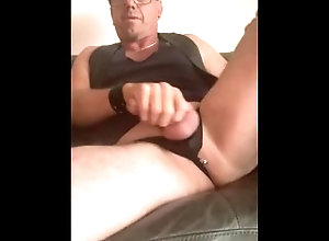 masterbation;piercing;cum-shot;leather;sexy-thong-underwear,Solo Male;Gay;Hunks;Public;Amateur;Handjob;Mature;Cumshot;Verified Amateurs Here I Cum