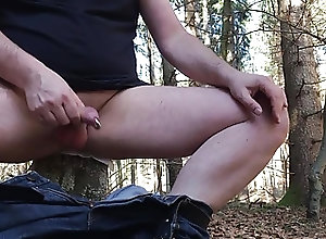 Men (Gay);Amateur (Gay);Masturbation (Gay);Outdoor (Gay) Schnellwichsen im...