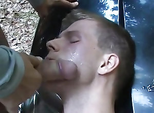 Twinks (Gay);Amateur (Gay);Bareback (Gay);Cum Tributes (Gay);Handjobs (Gay) im Wald