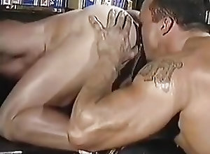 Gay Porn (Gay);Muscle (Gay) Make you mine