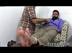 gay,gaysex,gayporn,gay-fetish,gay-foot,gay-feet,gay-toe,gay Teen boys leg...