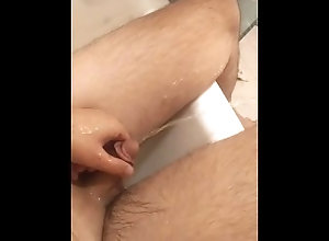 pee;tub;cock;hard;piss;issing;pissing;masturbate;kink,Solo Male;Gay Peeing on my self...