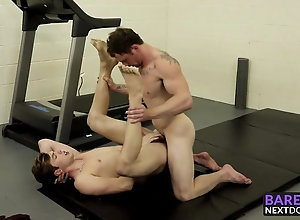 HD Videos;At the Gym;In the Gym;In the Ass;Gym Ass;Gym Fucking;Tattooed Ass;Skinny Ass;Skinny Fucking;Gym;Tattooed;In Ass;Ass Fucking;Fucking;Next Door Raw (Gay);Gay Porn (Gay);Bareback (Gay) Tattooed hunk...
